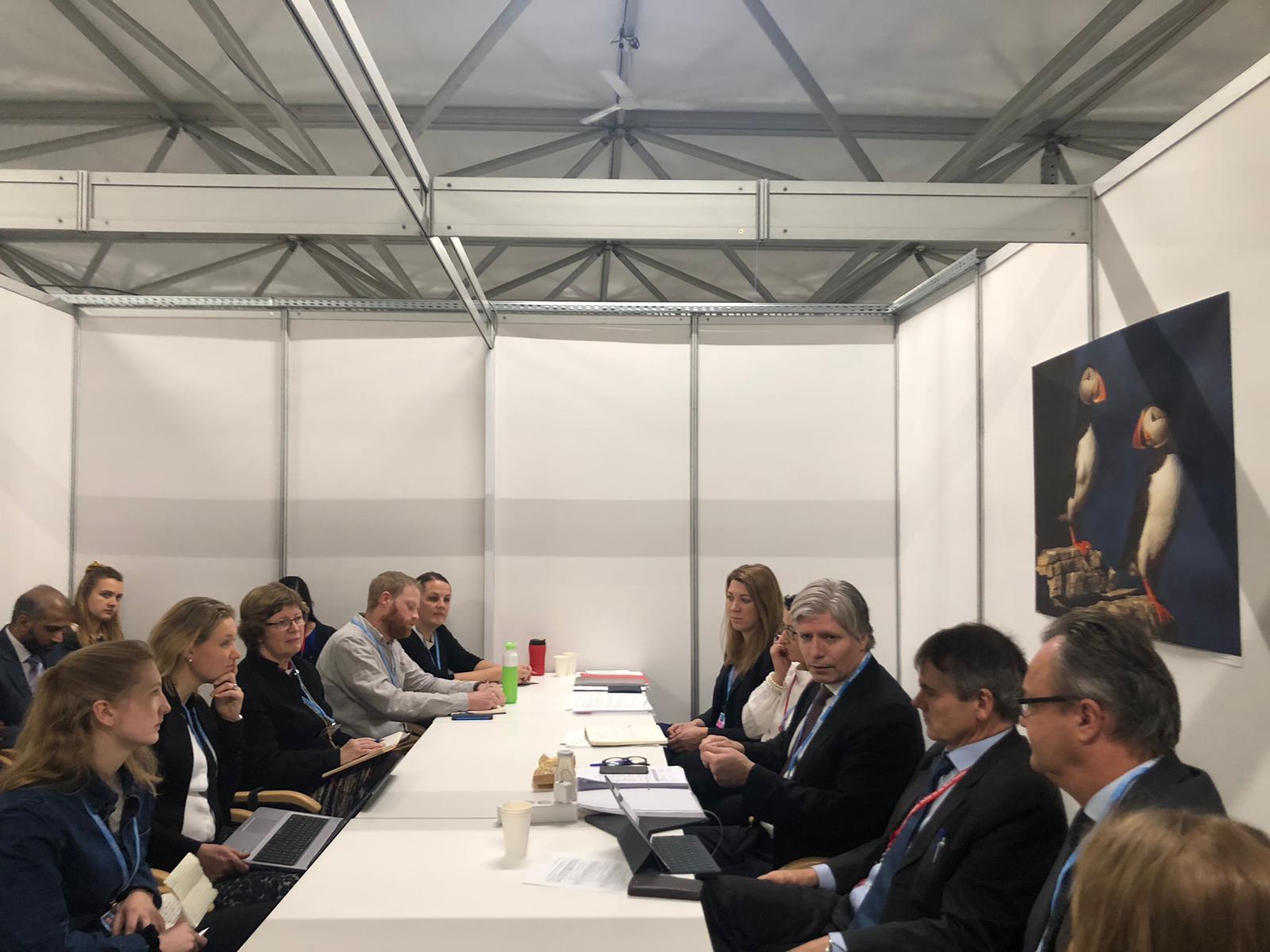ForUM arrangerte møte mellom statsråd Ola Elvestuen og det norske sivilsamfunnet i Katowice, 2018.